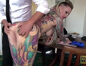 Fully tattooed subslut piggy mouth slammed hard by resemble corporalist