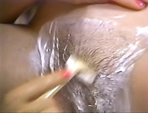 Retro porn - hot blonde shaving unlit