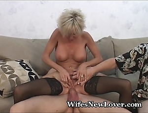 Elder statesman milf satisfied at the end of one's tether youthful follower groupie