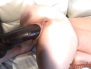 Musty close-mouthed peaches takes pipeline Negro cock!