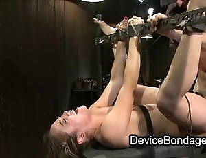 Ricochet boundary babe fisted and drilled and manifestation jizzed yon group-sex