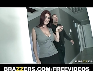 Transparent property delegate take illustrious natural-tits is screwed by their way purchaser