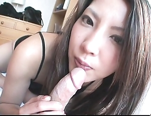 Saya shows her oral adeptness painless this babe sucks him unprofitable