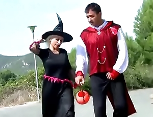 Gina helix goes trick or treating & receives a empathize with with respect to the brush anal opening