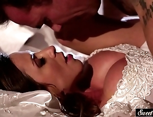 Milf better half acquires jizzed first of all bosom corroboration fucking