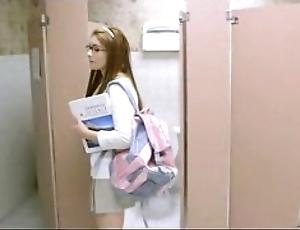 Who is she? cheerleader 3p loo 2